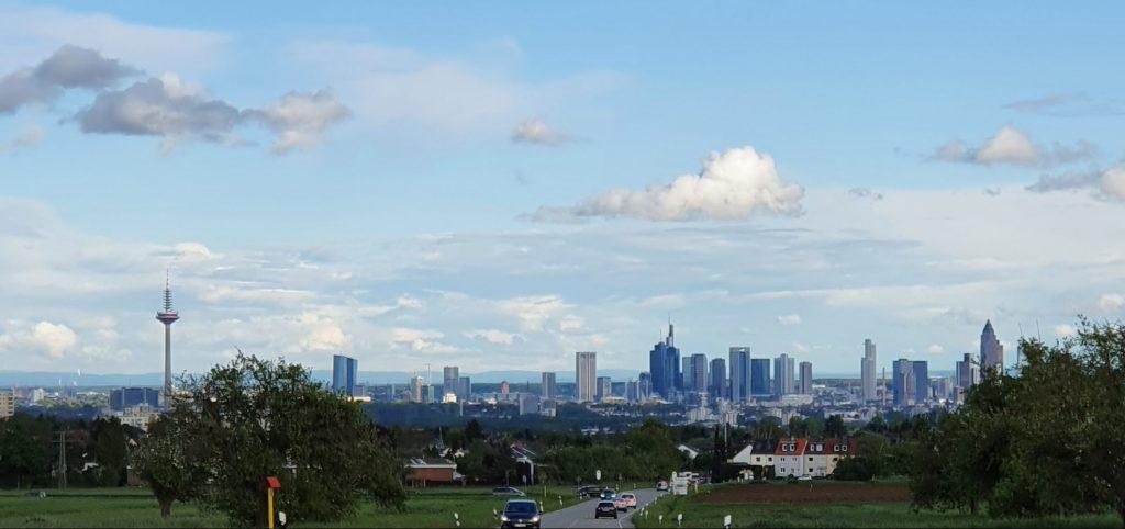 Skyline Frankfurt von Kronberg aus gesehen